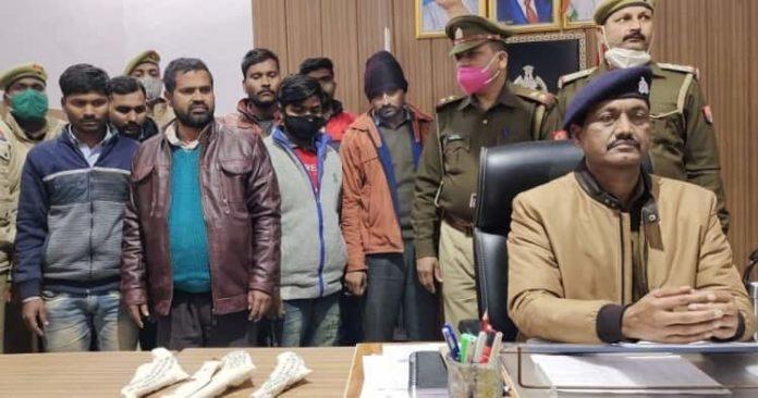 मोबाइल टावरों से बैटरी चोरी करने वाले 7 चोर गिरफ्तार