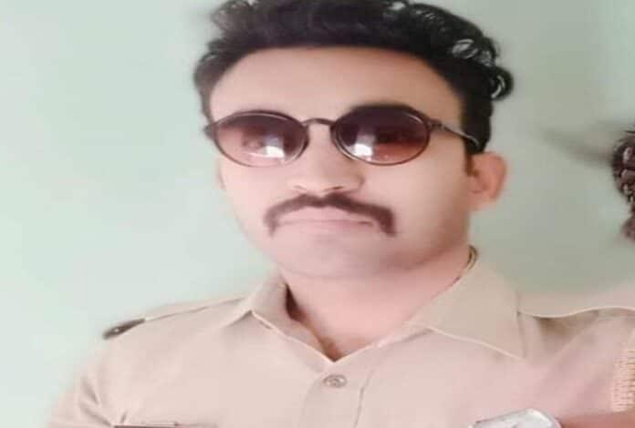 सिपाही गुलशन शर्मा की फाइल फोटो