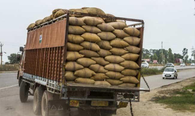 300 क्विंटल सरकारी गेहूं लदा ट्रक FCI गेट से गायब