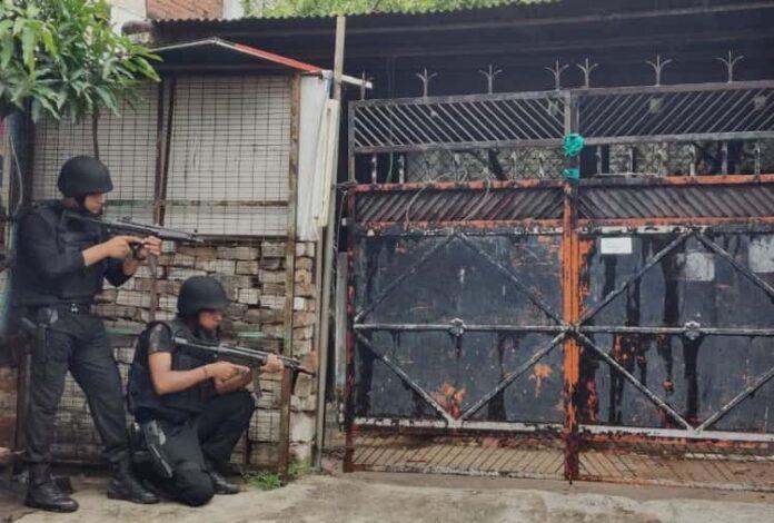 यूपी एटीएस का खुलासा- लखनऊ में विस्फोटक के साथ अलकायदा के 2 आतंकी गिरफ्तार, टाइम बम भी बरामद