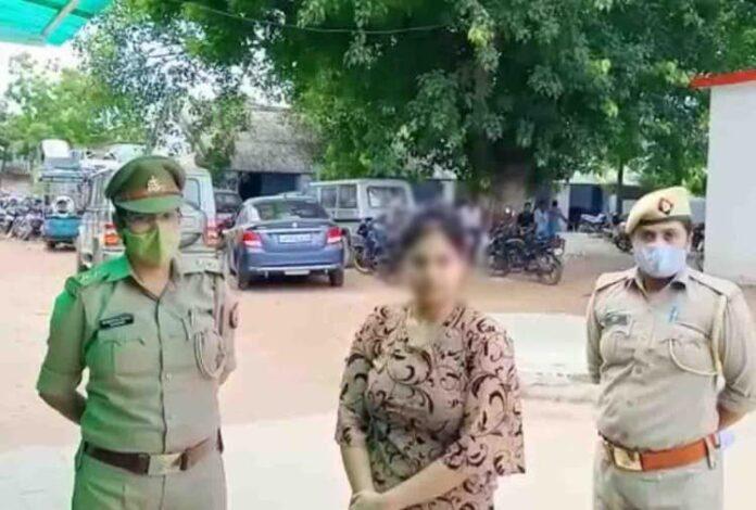 बंद भाई के बारे में जानकारी करने गई महिला ने सिपाही को मारा तमाचा