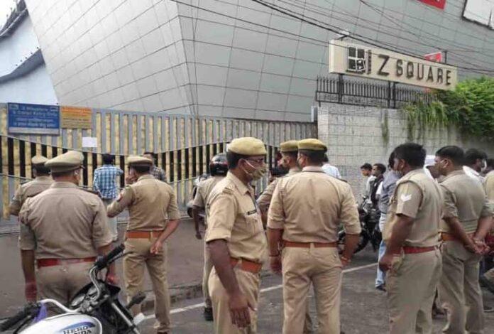 कानपुर: सबसे बड़ा मॉल जेड स्क्वायर सील