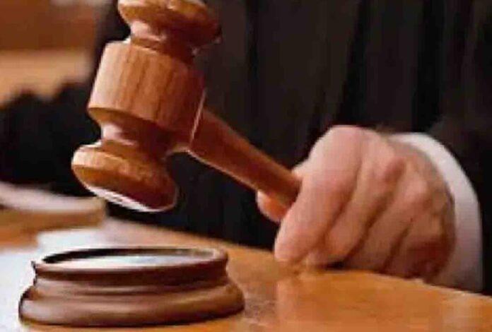 दो भाइयों को बेटों समेत 10 साल की सजा