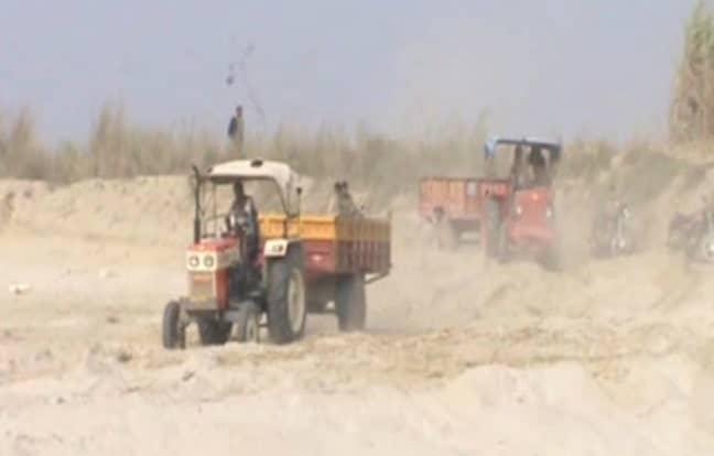 अवैध खनन में 11 वाहन मालिकों पर लगभग तीन लाख रुपये का जुर्माना